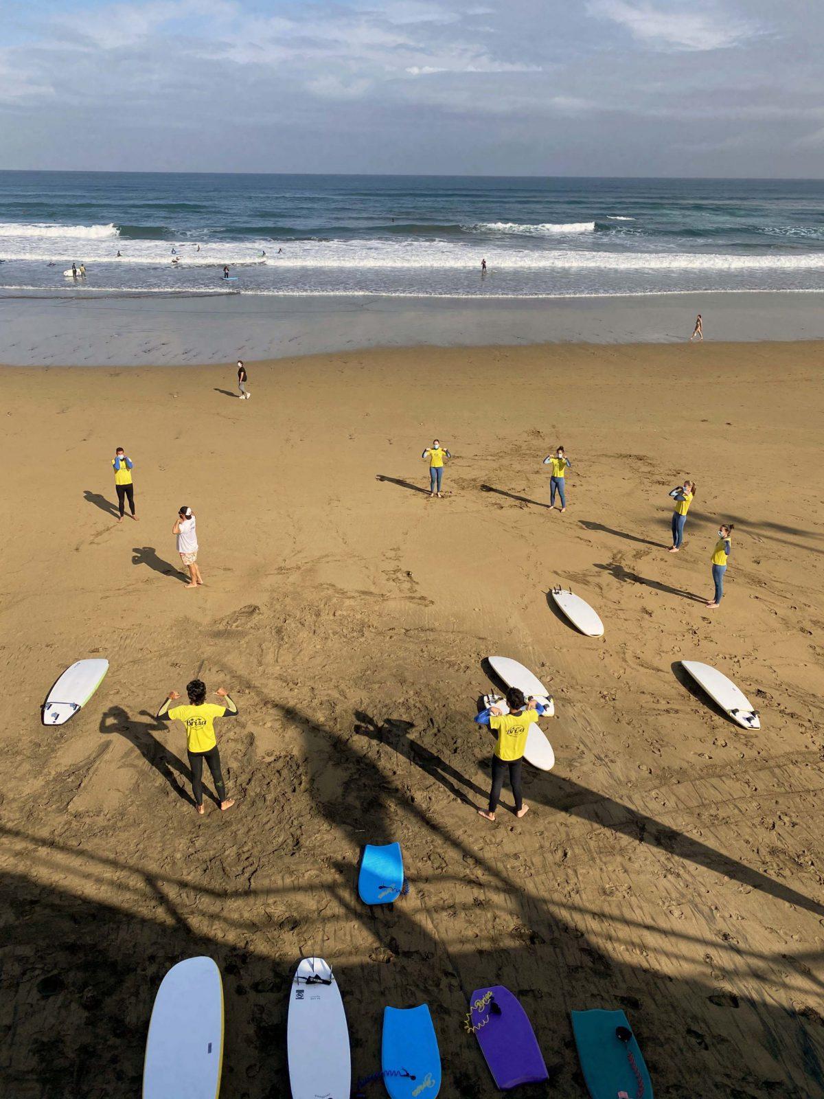 surf-lesson-warm-up-surf-camp-las-palmas