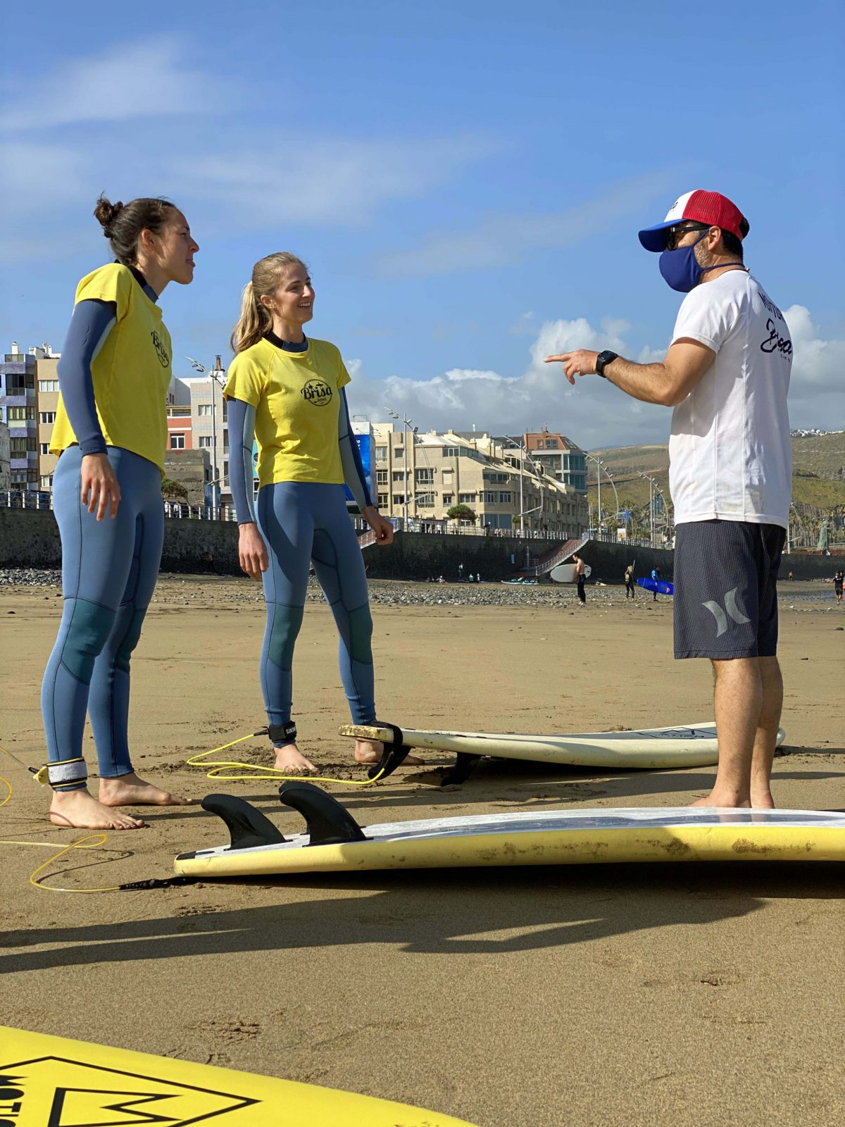 surf-lesson-theory-instructor-surf-camp-las-palmas