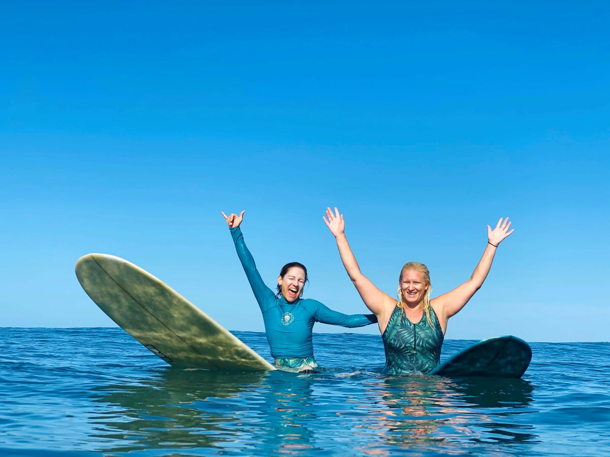happy-surfers-surf-camp-las-palmas-guided-surf-trip