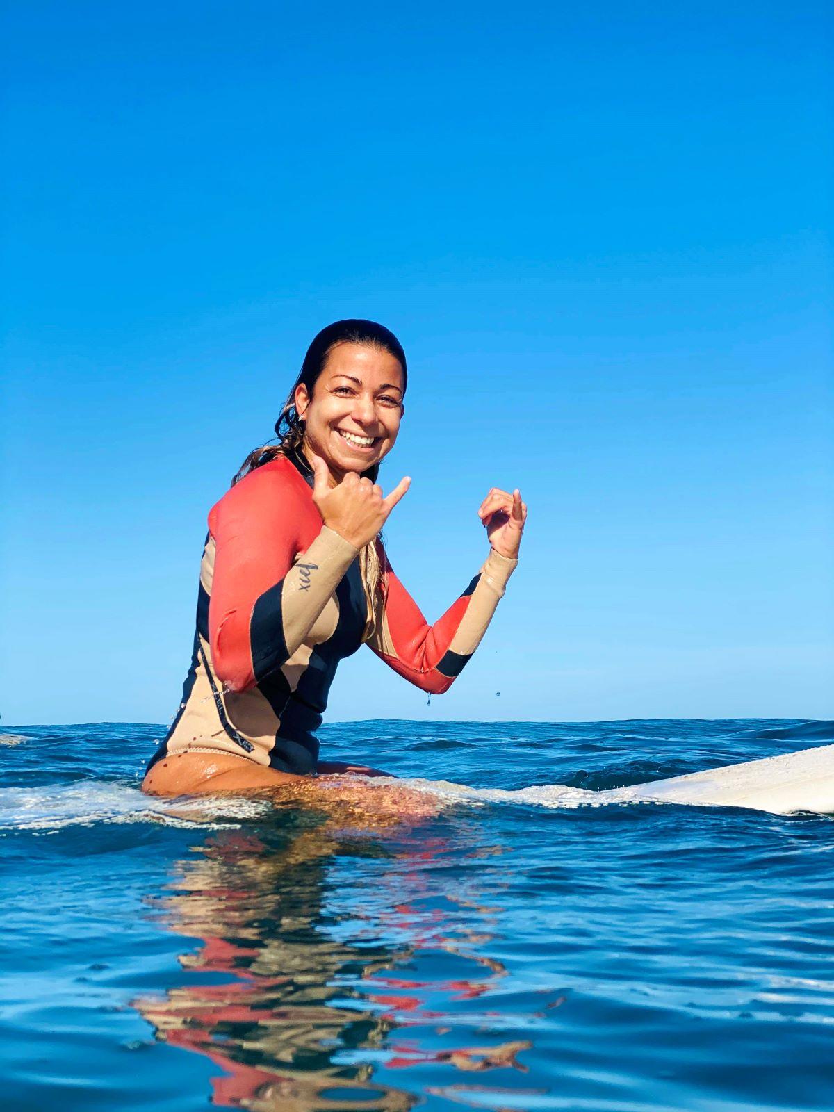 guided-surf-trip-shaka-pose
